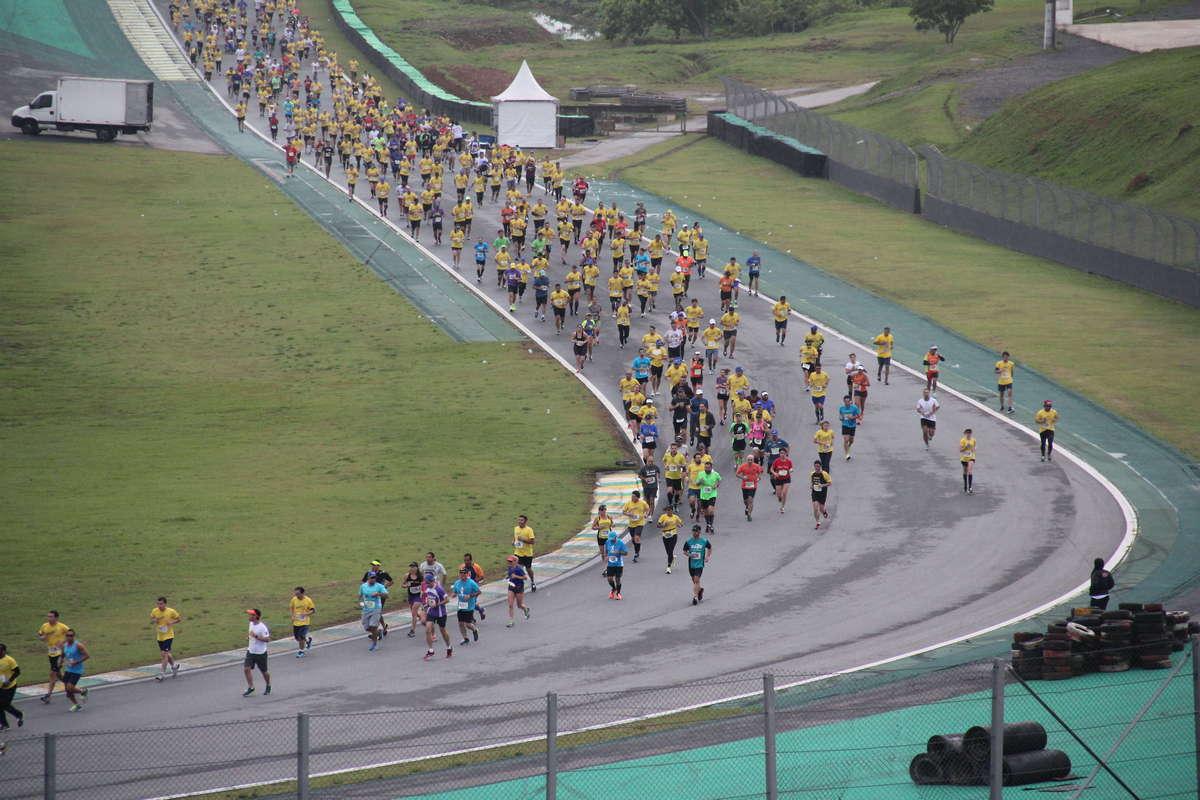Uma das subidas do Autódromo Foto: Gabriel Gameiro/Webrun
