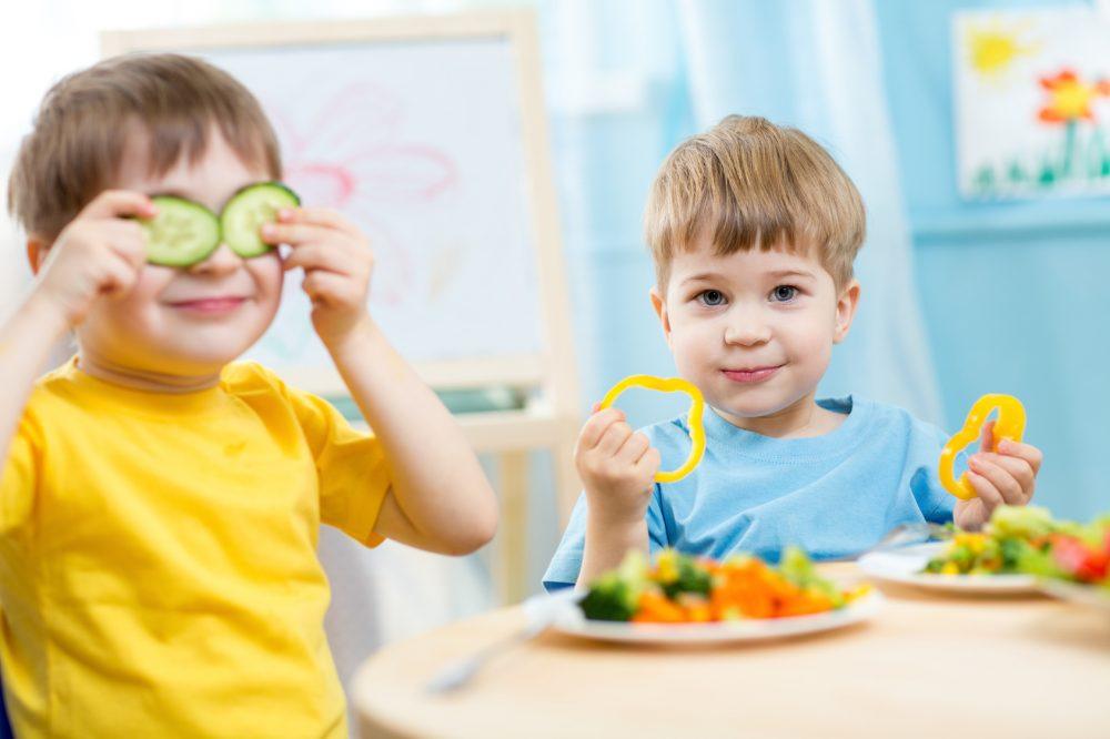 Tenha sempre em mente: a criança irá reproduzir para sempre os hábitos que lhe forem reforçados Foto: Oksana Kuzmina/Fotolia