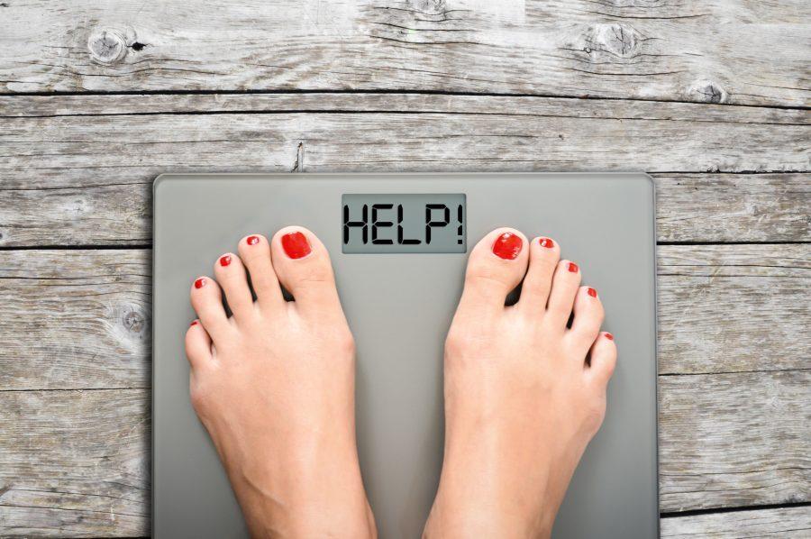 Quando estamos em busca de massa magra, o peso na balança pode até variar para mais. Por isso, o número não é uma informação tão dispensável Foto: Adrian Ilie/Fotolia