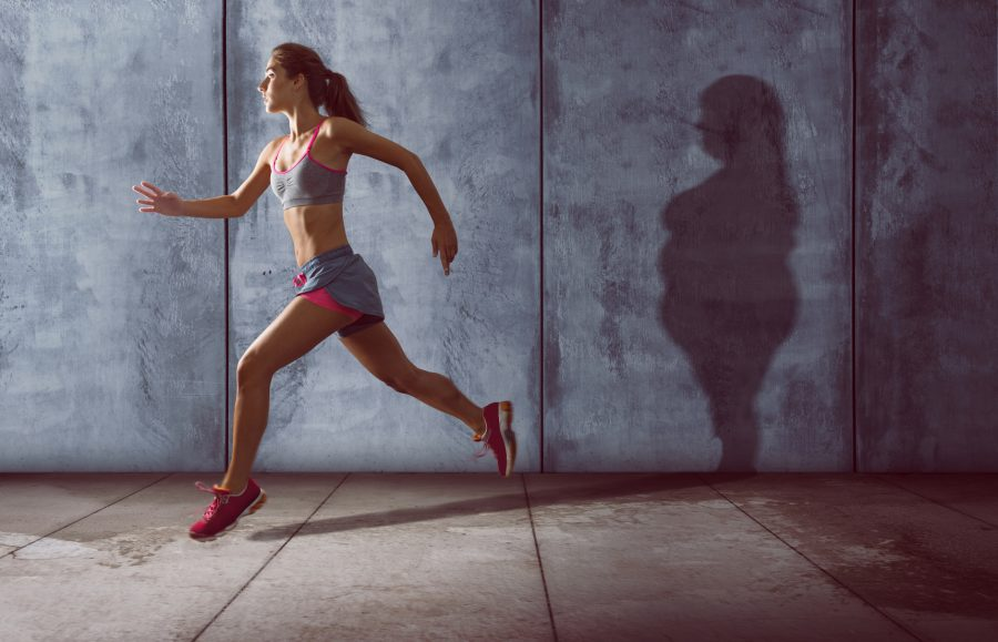 Há evidências de que incluir exercícios para controlar o peso, pode minimizar a redução da taxa metabólica de repouso Foto: Iassedesignen/Fotolia