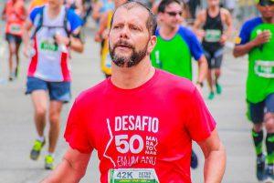 50 maratonas em um ano: conheça o desafio do corredor amador Marcos Mourão