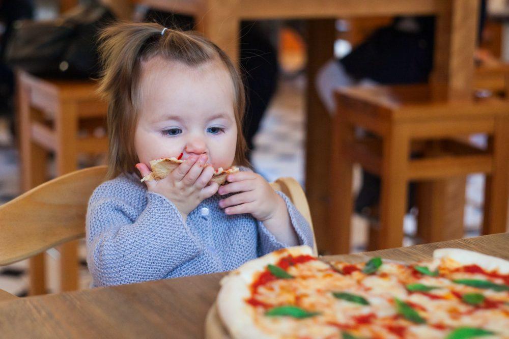 De nada vai adiantar você querer ensinar seu filho a ser saudável, se você não é Foto: Misskaterina/Fotolia