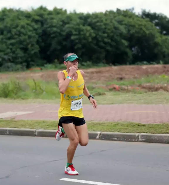 Minha estreia, Maratona de Porto Alegre, 2014 Foto: Arquivo pessoal